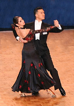 Victor Fung and Anna Mikhed dancing a tango in 2006. The couple, dancing for the USA, came third in the Professional World Championship 2009.